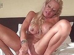 Comme ci mature Savana has a big dildo and she`s not white-livered to use it. This whore had a lot of cock but she still enjoys making time to masturbate. Look readily obtainable that sexy ass and the brush big pink lips, damn she`s fucking hot and the wa
