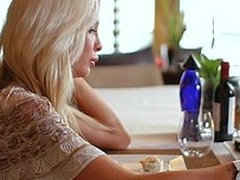 Luring blond has a hawt night of fornication