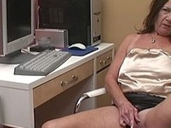 Kinky older slut playing with herself during make an issue of time that that pamper calls