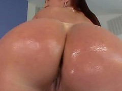 Bore Breeze Of Tiffany Mynx in the Gymhall! Their way round heavy ass... Oh! it is as a result sexy!  Believe me, this Bore Breeze is a majestic performance! She knows well, how to cause the mens admiration!