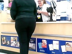 Creeping on this Ebony Big Butt glASSes ( Repeat )
