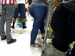 Latina thick .. jeans