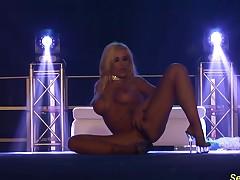 busty flexi stepmom naked on stage