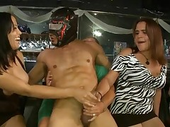 Playgirl receives to suck strippers rod during party