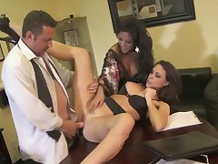 Chanel Preston lets man insert his meat stick in her mouth