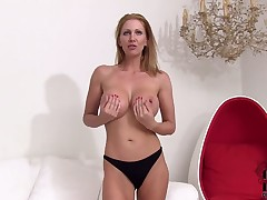 Mature Leigh Darby gives a closeup view of her love tunnel while masturbating with dildo