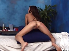 Honey takes off clothes and then begins sucking dick of man