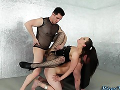 Kinky babe 3way tugging
