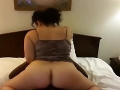 Thick bubblebutt Latina humps black cock